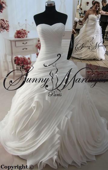 robe de mariee princesse originale bustier drappé croisé chic et pas ...