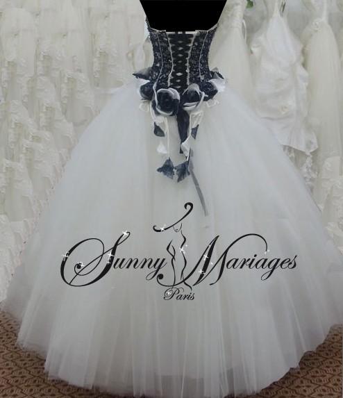 Robe de mariée noire et blanche pas cher et en ligne  Sunny Mariage