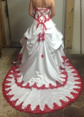 robe de mariee rouge et blanc  Sunny Mariage