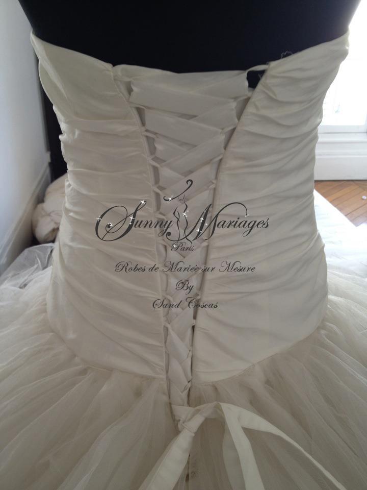 Robe de mari e princesse en tulle bustier droit sunny for Hors des robes de mariage san francisco