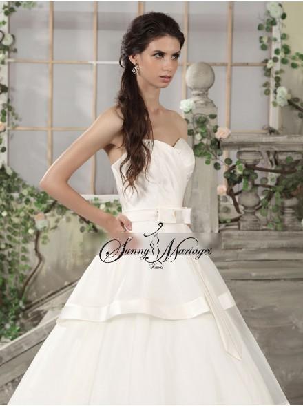 robe blanche dans un reve la mode des robes de france. Black Bedroom Furniture Sets. Home Design Ideas