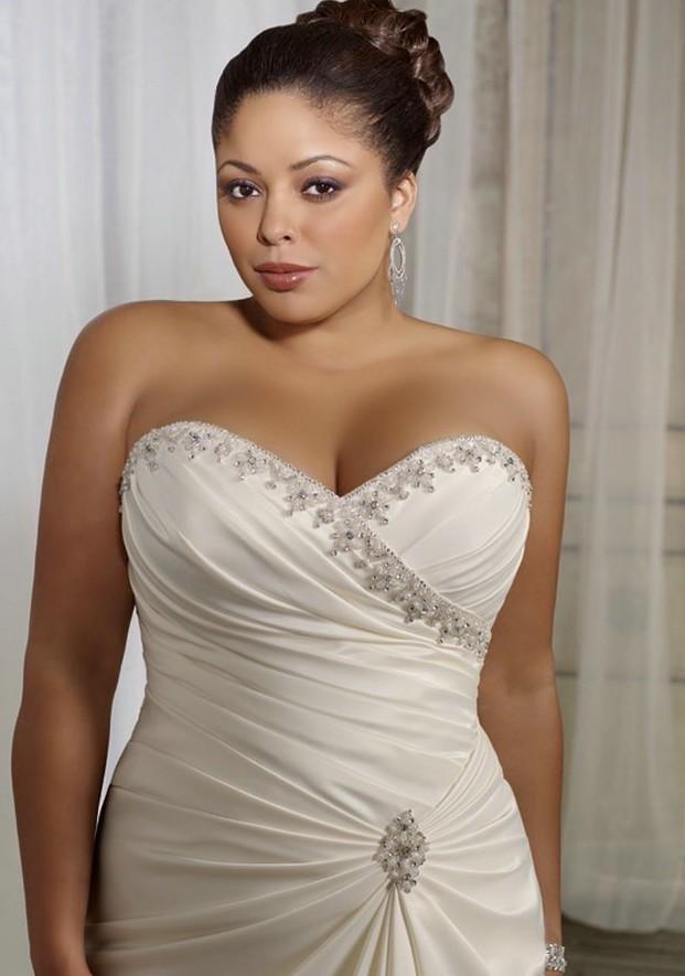 Robe de mariee grande taille en ligne ou sur rendez vous for Plus la taille des robes de mariage formel