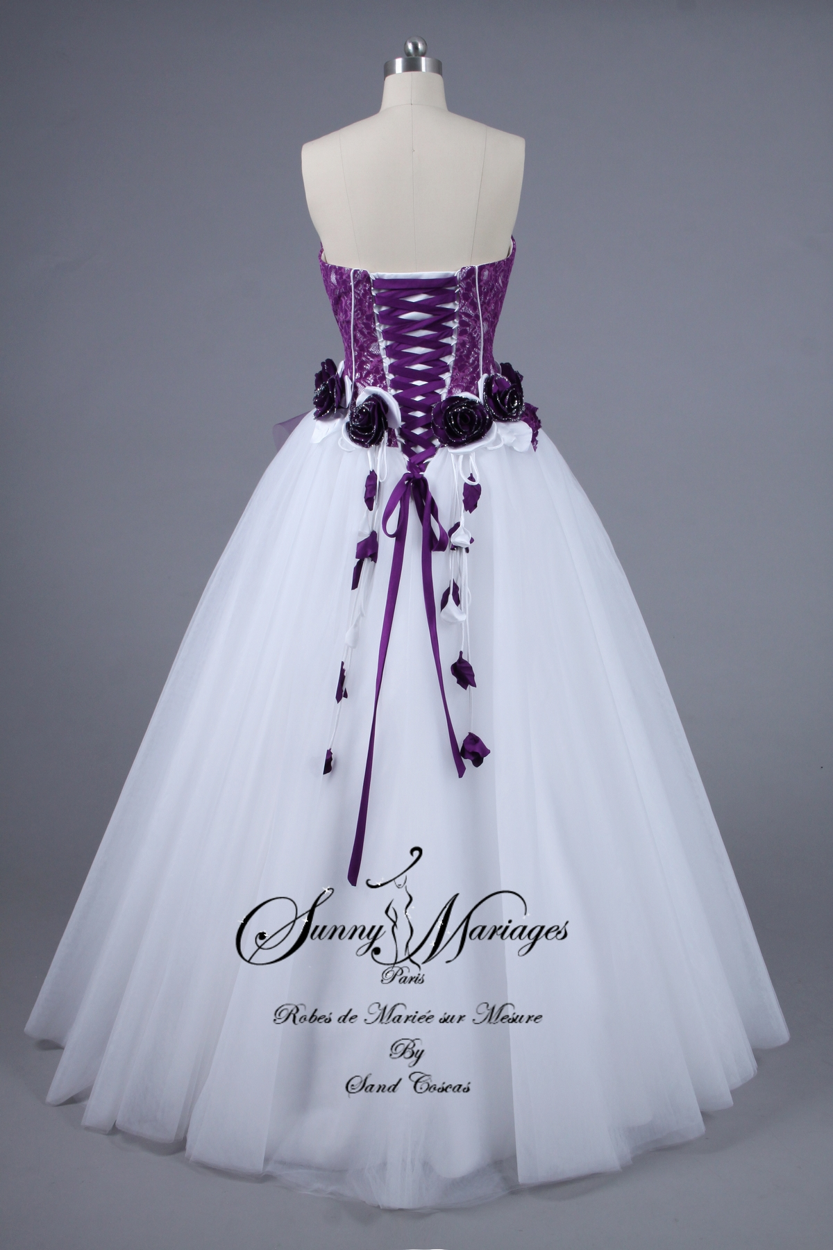 Robe De Mariage Blanche Et Dentelle Grise D Occasion Pictures to pin ...