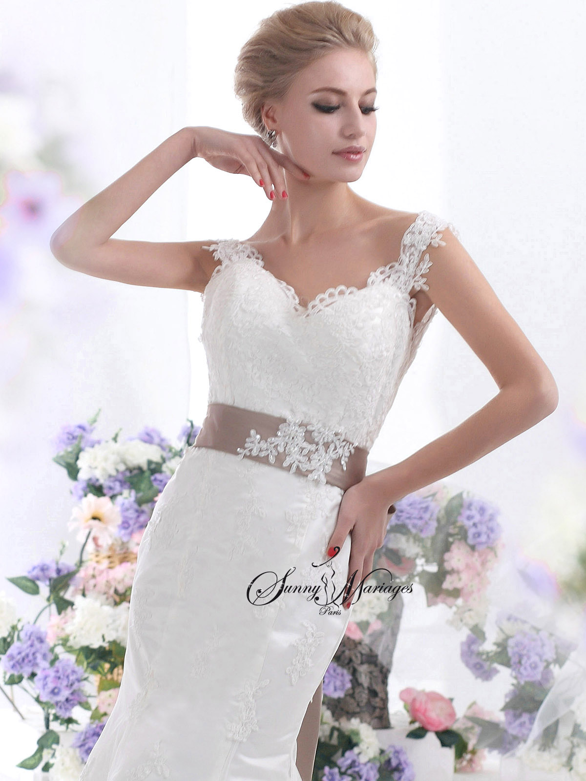 Robe de mariee en dentelle forme sir ne en vente en ligne for Nous robes de mariage en ligne