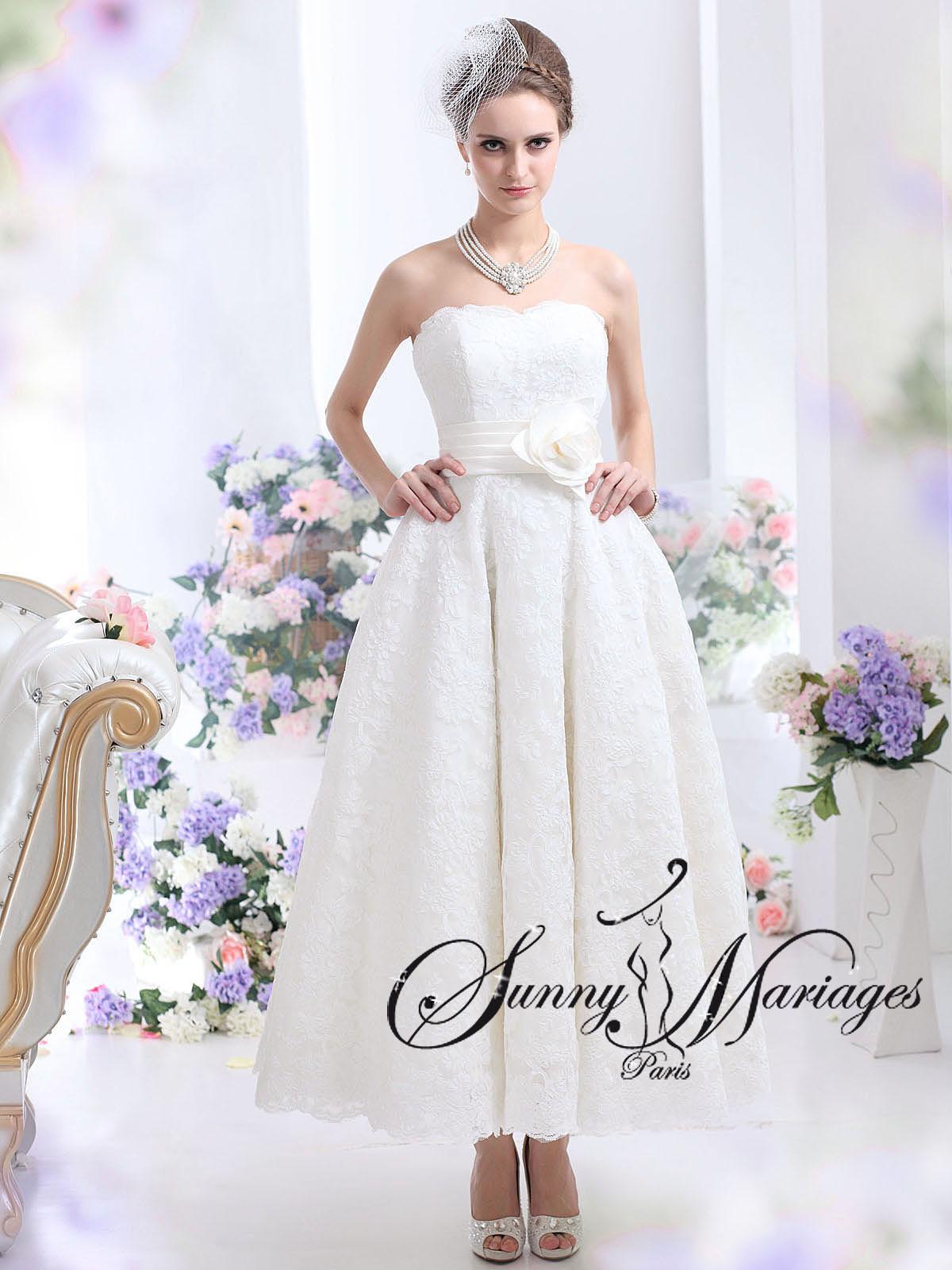 Robe de mari e courte en dentelle sunny mariage for Sangles de dentelle de robe de mariage