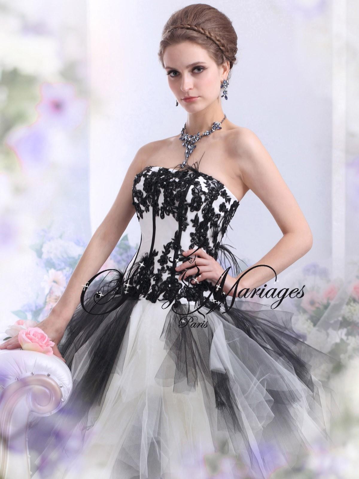 Robe de mariee noir et blanche en tulle « Italia »