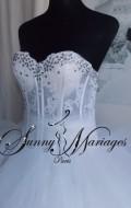 robe-de-mariee-princesse-mouchoir-de-tulle-et-bustier-strass-transparent-et-original