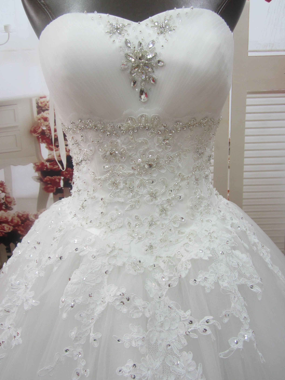 Robe de mariee bustier strass et perles robe de mariee jupe en tulle  danseuse