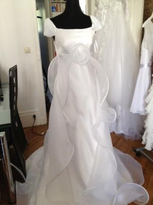 robe de mariee pas cher forme empire ou hippie chic robe de mariee boheme chic robe de. Black Bedroom Furniture Sets. Home Design Ideas