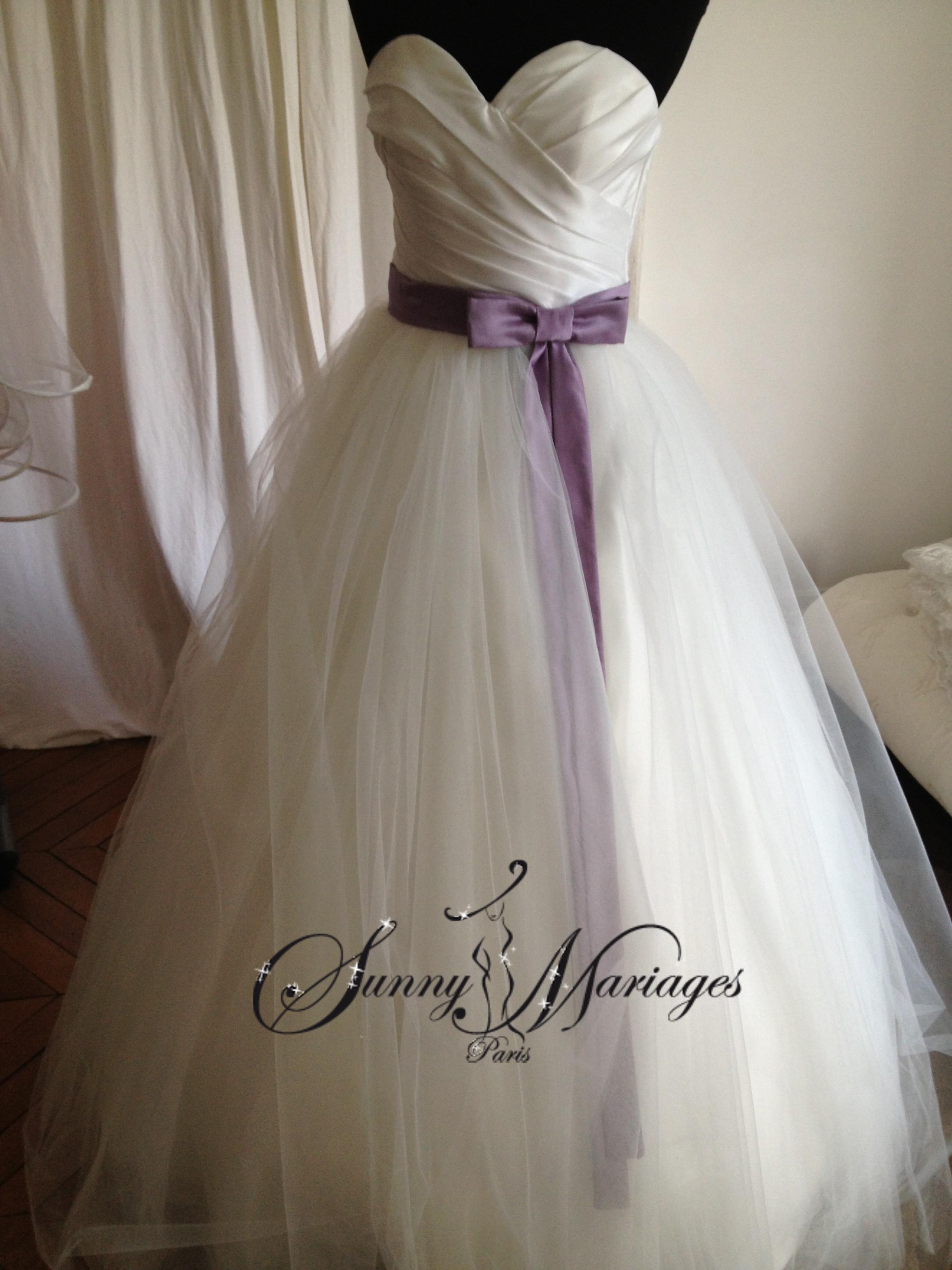 Robe De Mariee Facon Princesse Avec Un Bustier Coeur En Vente En Ligne ...