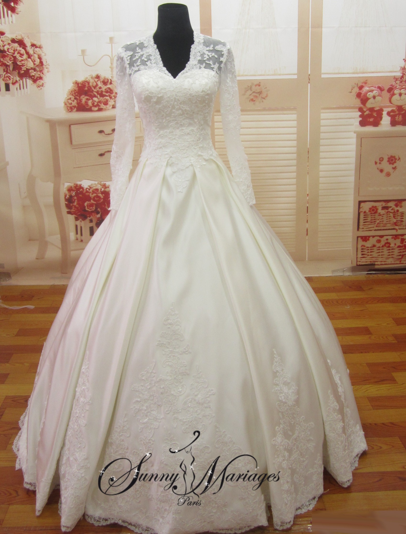 robes de mariage robes de mariee robe de mariee princesse kate middleton dentelle manches. Black Bedroom Furniture Sets. Home Design Ideas