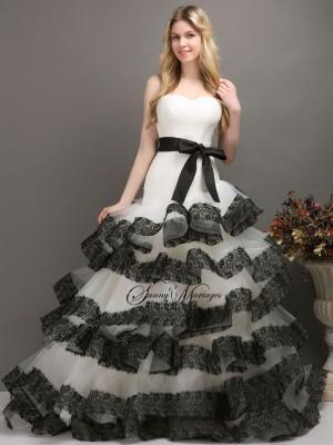 robe de mariee noir et blanc bustier asymetrique et. Black Bedroom Furniture Sets. Home Design Ideas
