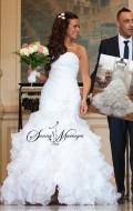 robe de mariee princesse avec un joli bustier en coeur ou droit à choisir un bustier sirene drapé et une jupe en froufrous