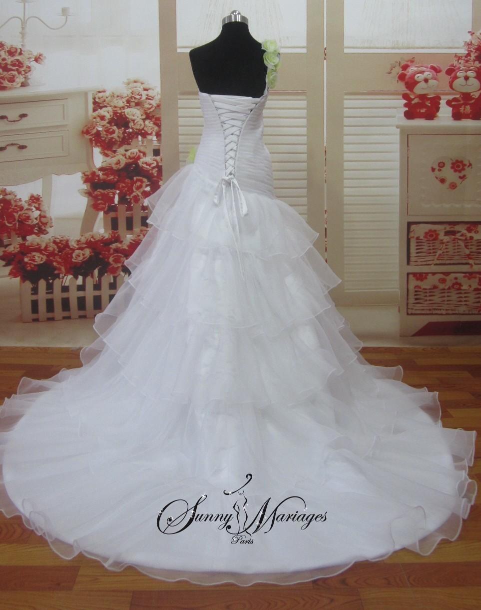 robe de mari e princesse bustier avec bretelle. Black Bedroom Furniture Sets. Home Design Ideas