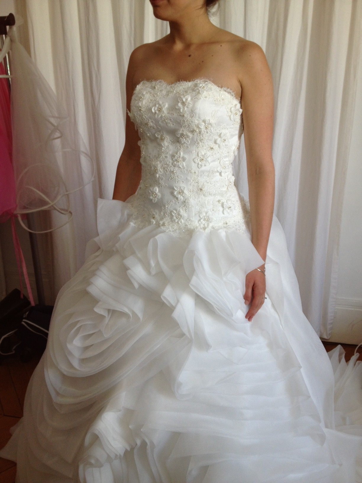 robe de mariee princesse originale bustier en coeur et dentelle ...