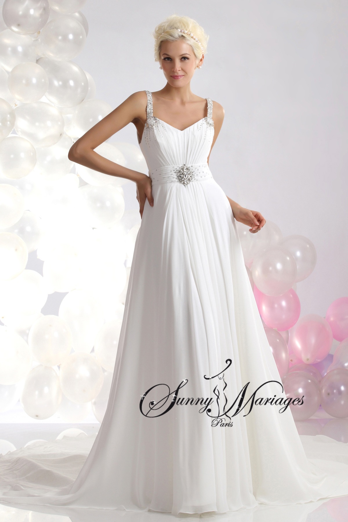 Robe de mari e empire et bretelle en mousseline fluide for Robes de mariage empire uk