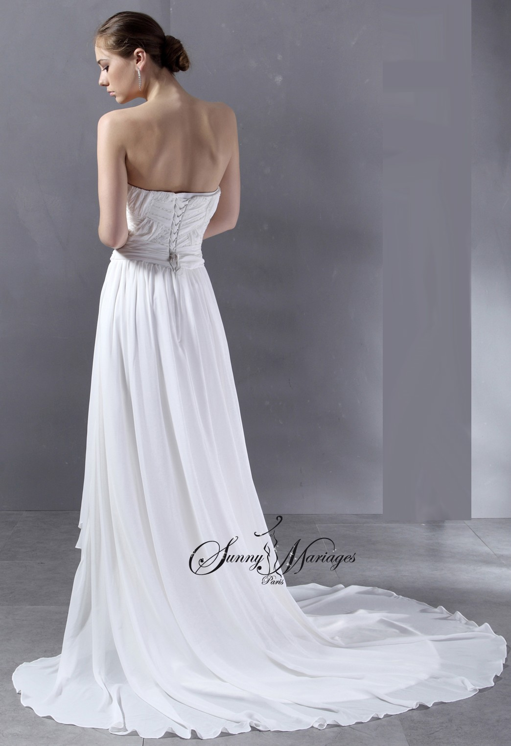 Robe de mariee pas cher en vente en ligne en mousseline for Robes de mariage empire uk