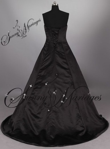 robe de mariee bustier noire blanche rouge grande taille sunny mariage. Black Bedroom Furniture Sets. Home Design Ideas