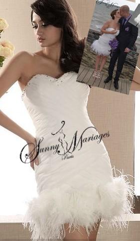 Robe de mariee courte avec plume