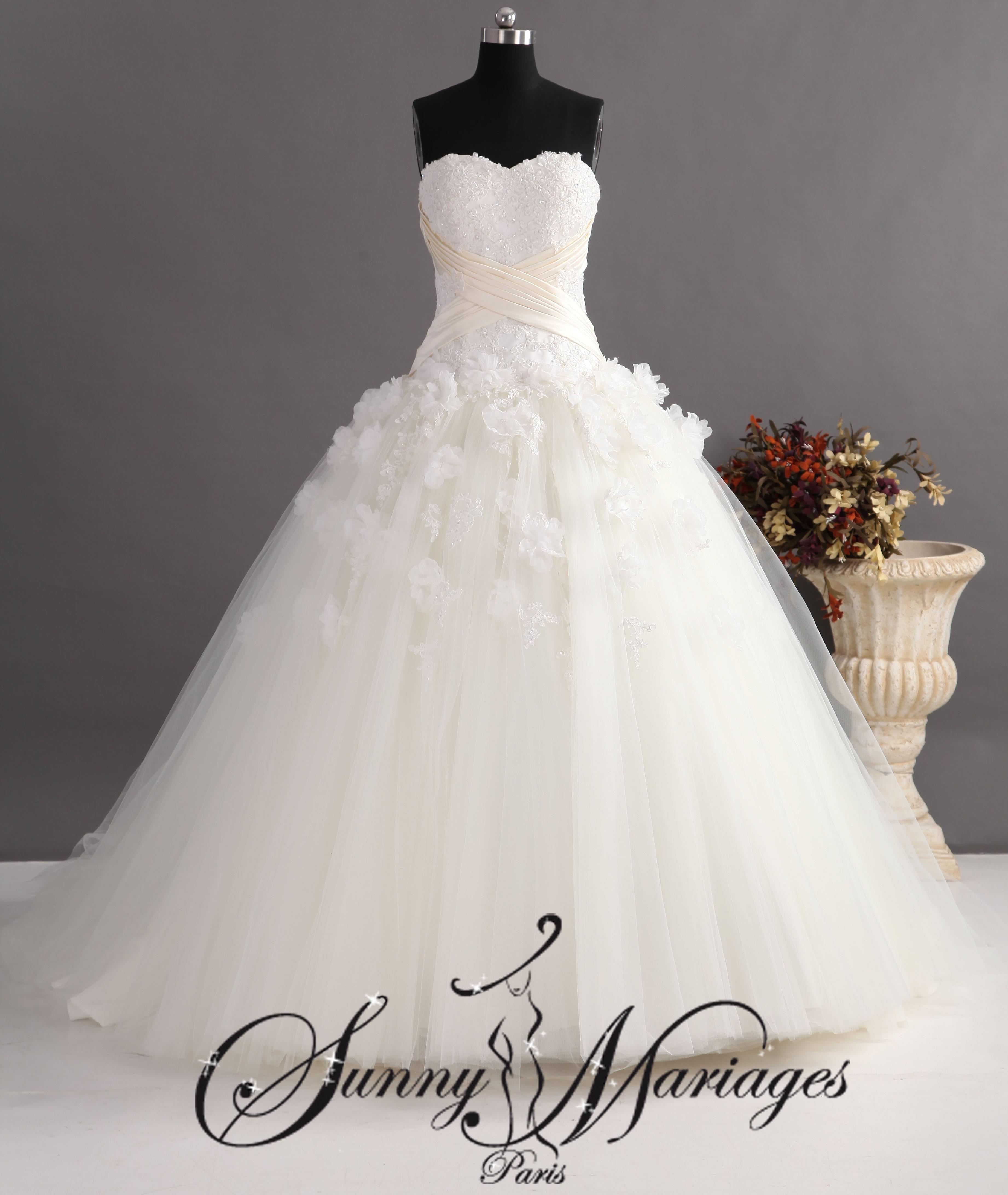 robe de mariee princesse en tulle et bustier brodé  Sunny Mariage