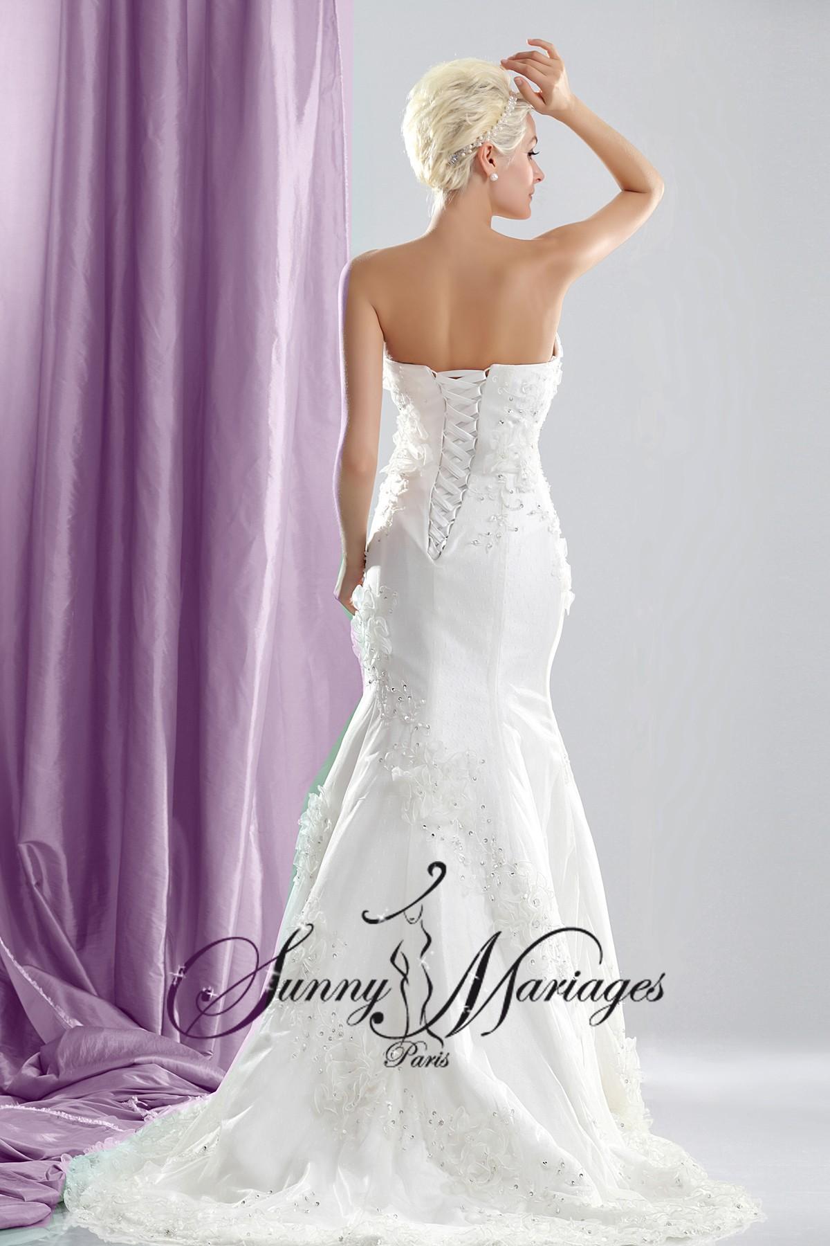 robe de mariage originale forme trompete ou sirene bustier strass en vente en ligne sunny mariage. Black Bedroom Furniture Sets. Home Design Ideas