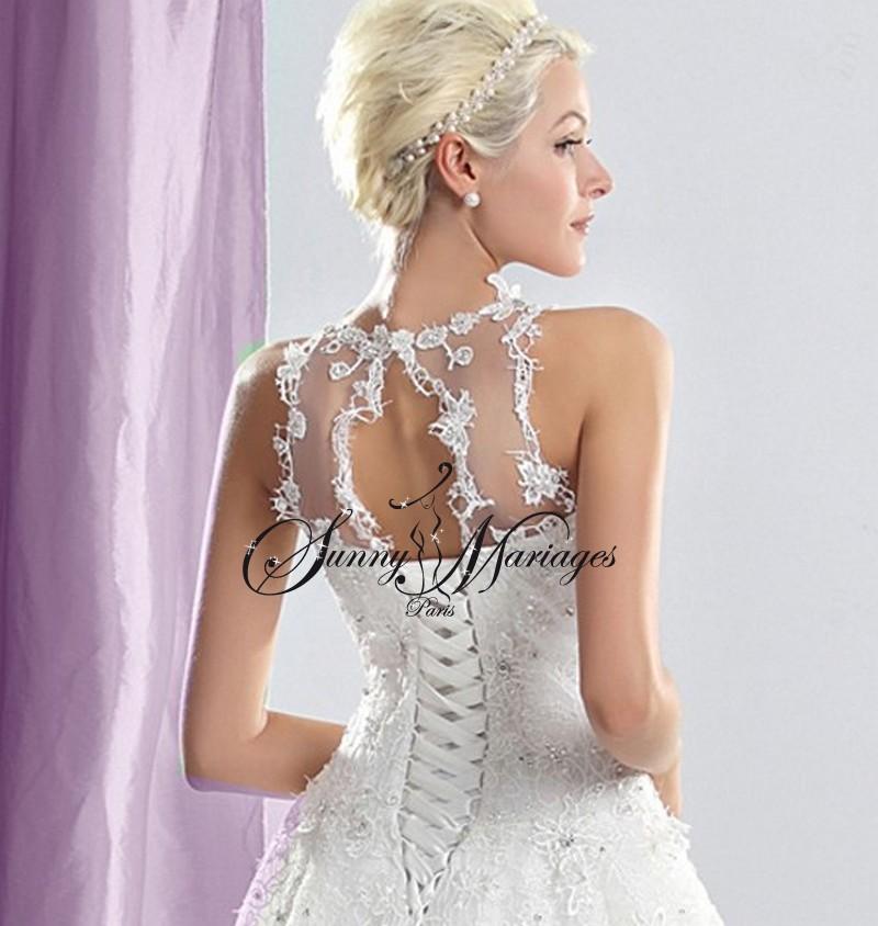 robe de mariage avec un bustier fait d organza et de dentelle parsemé ...