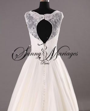 robe de mariee dentelle dos ouvert sur mesure sunny mariage en ligne ou sur rendez vous sunny. Black Bedroom Furniture Sets. Home Design Ideas