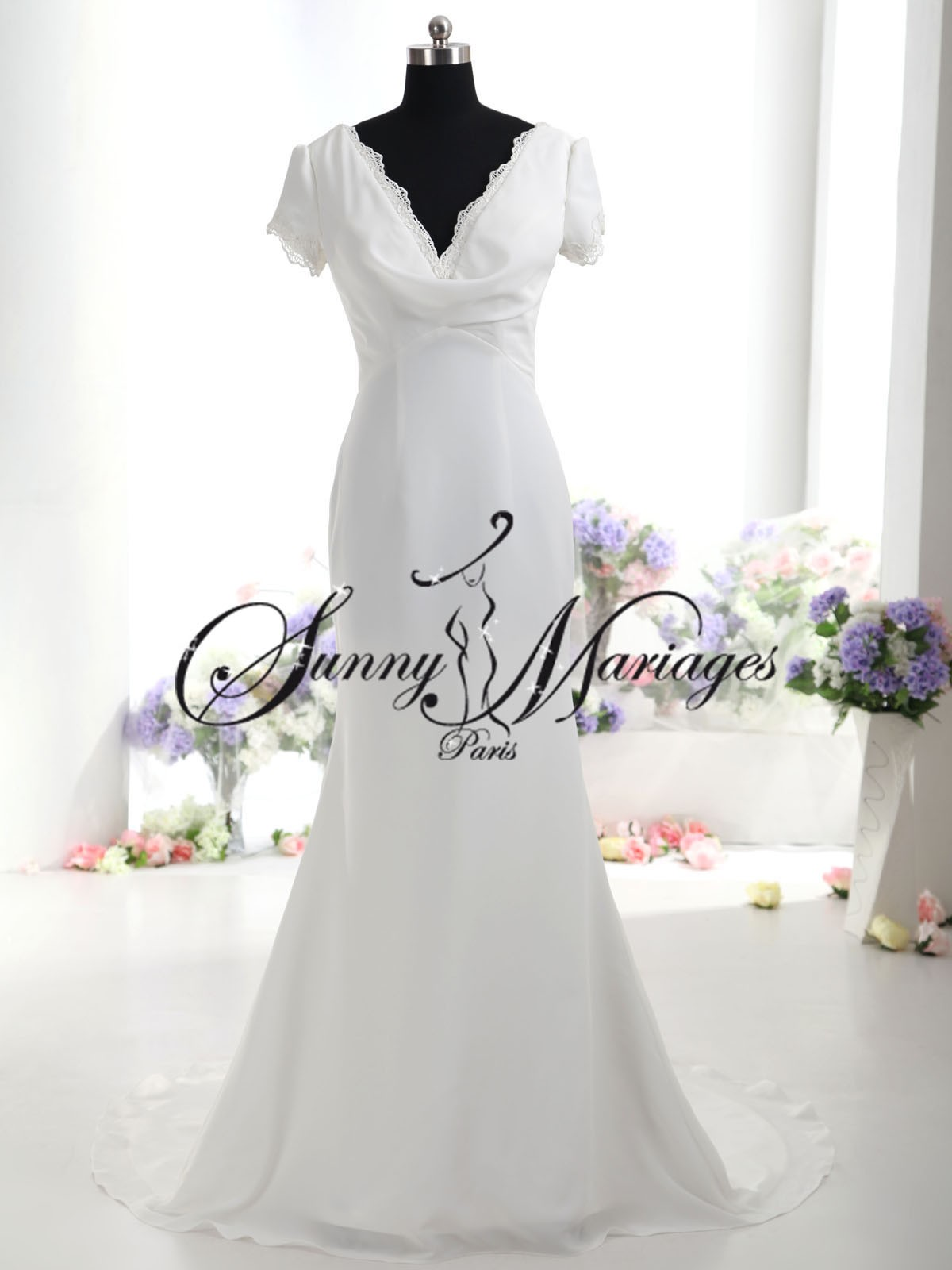 robe de mariee simple en mousseline fluide et petites manches sunny mariage. Black Bedroom Furniture Sets. Home Design Ideas