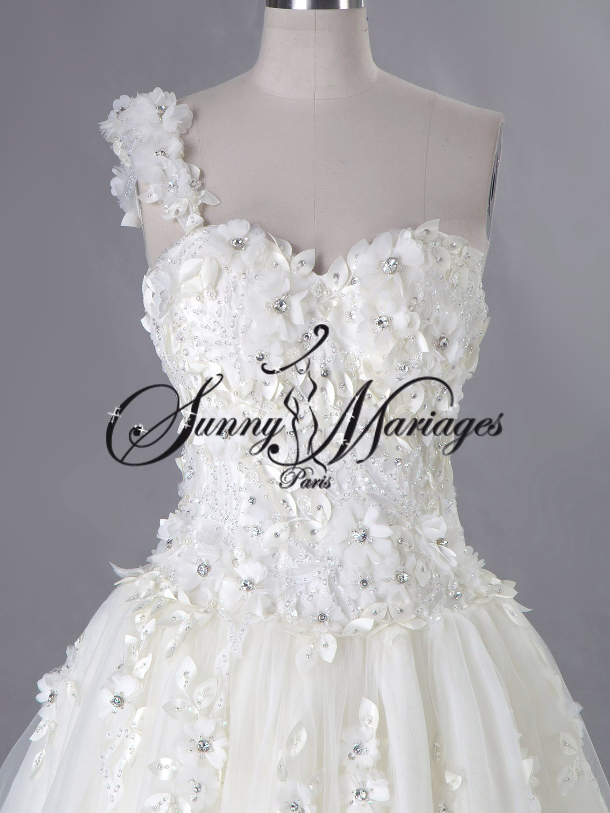 Robe De Mariee Une Bretelle Pictures to pin on Pinterest