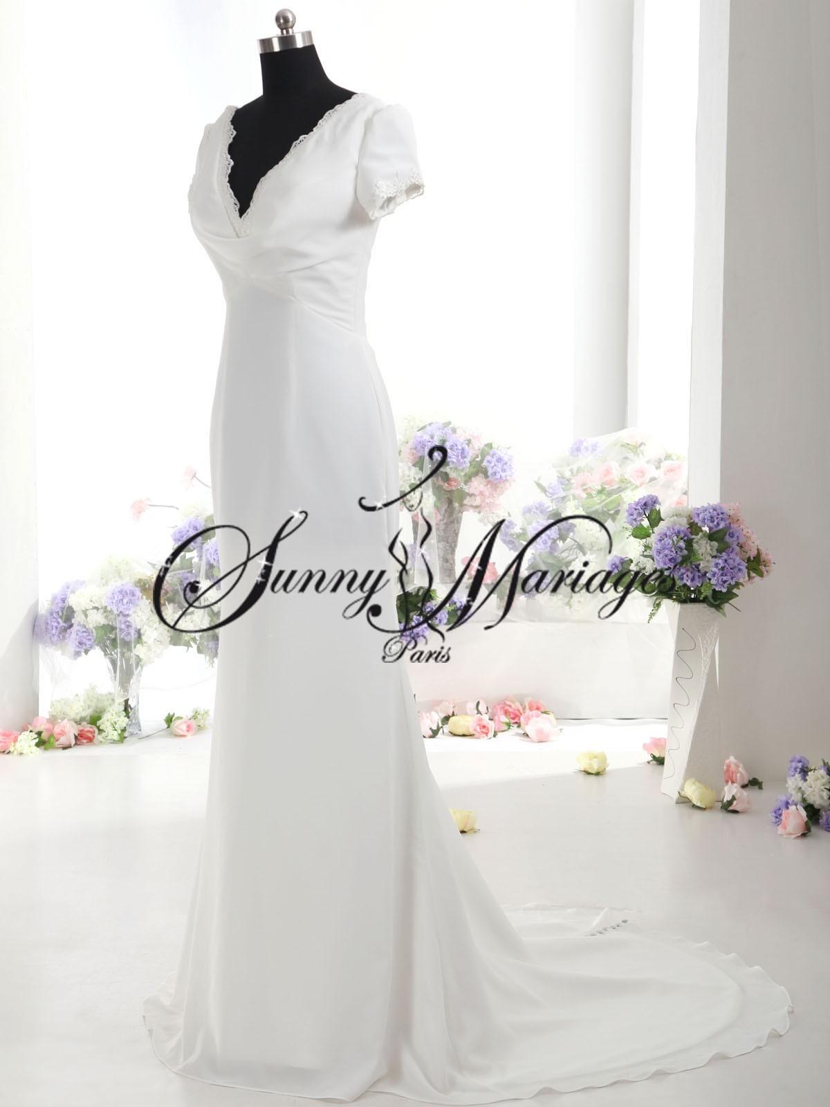 Robe de mariée simple et élégantes avec petites manches courtes