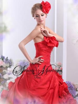 robes de mariee rouge ou noir sunny mariages paris en ligne ou sur rendez vous chic et pas cher. Black Bedroom Furniture Sets. Home Design Ideas