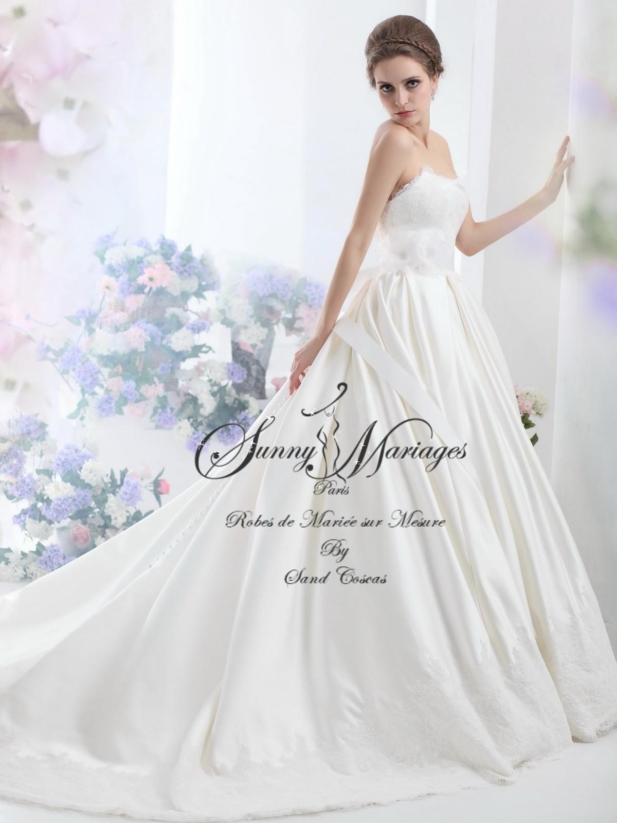 19af9ca9d550a robe de mariée bustier dentelle jupe pîncesse Sunny Mariages Paris sur mesure  pas cher