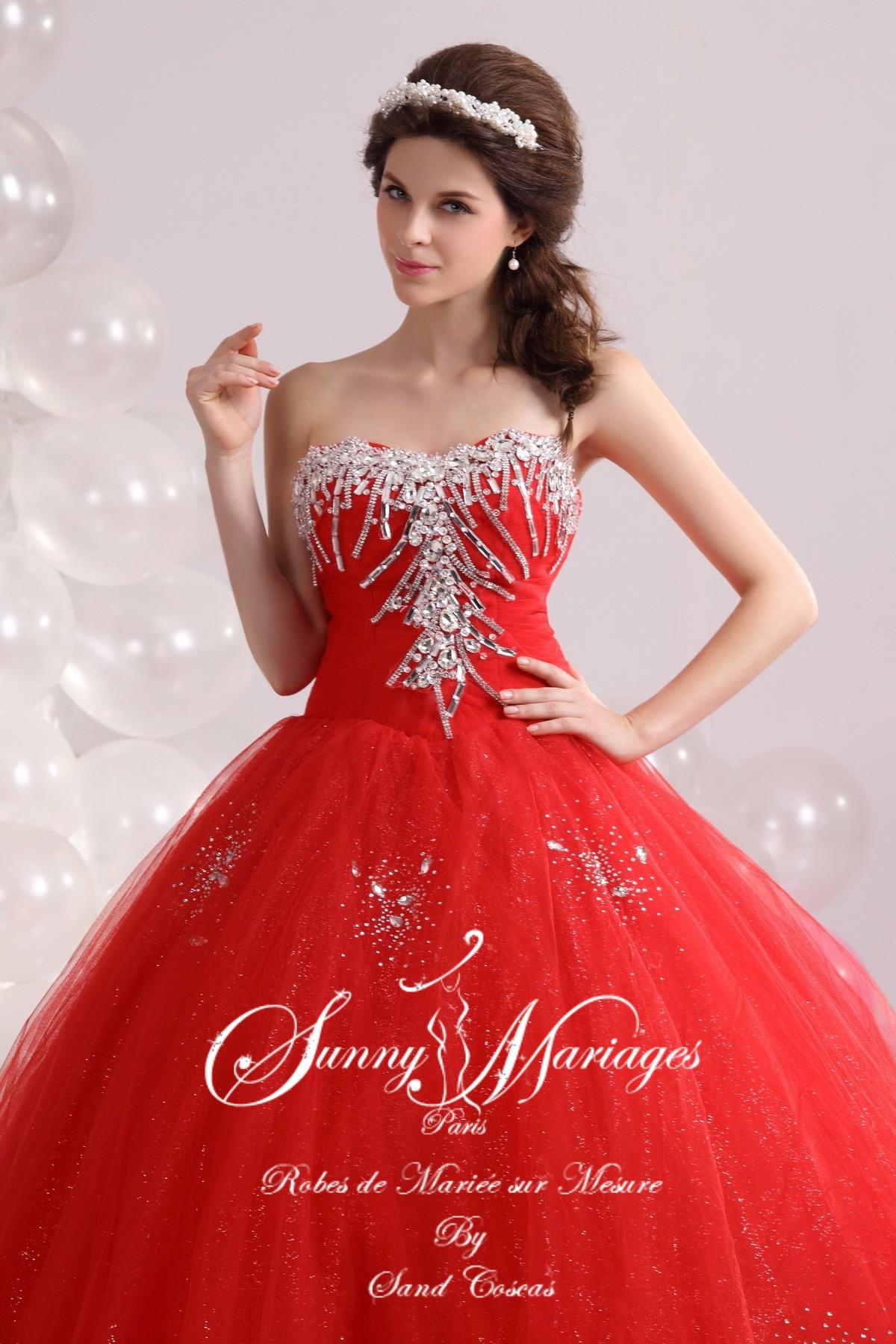 de la gaité et de la chaleur orientale pour cette robe de mariée au ...