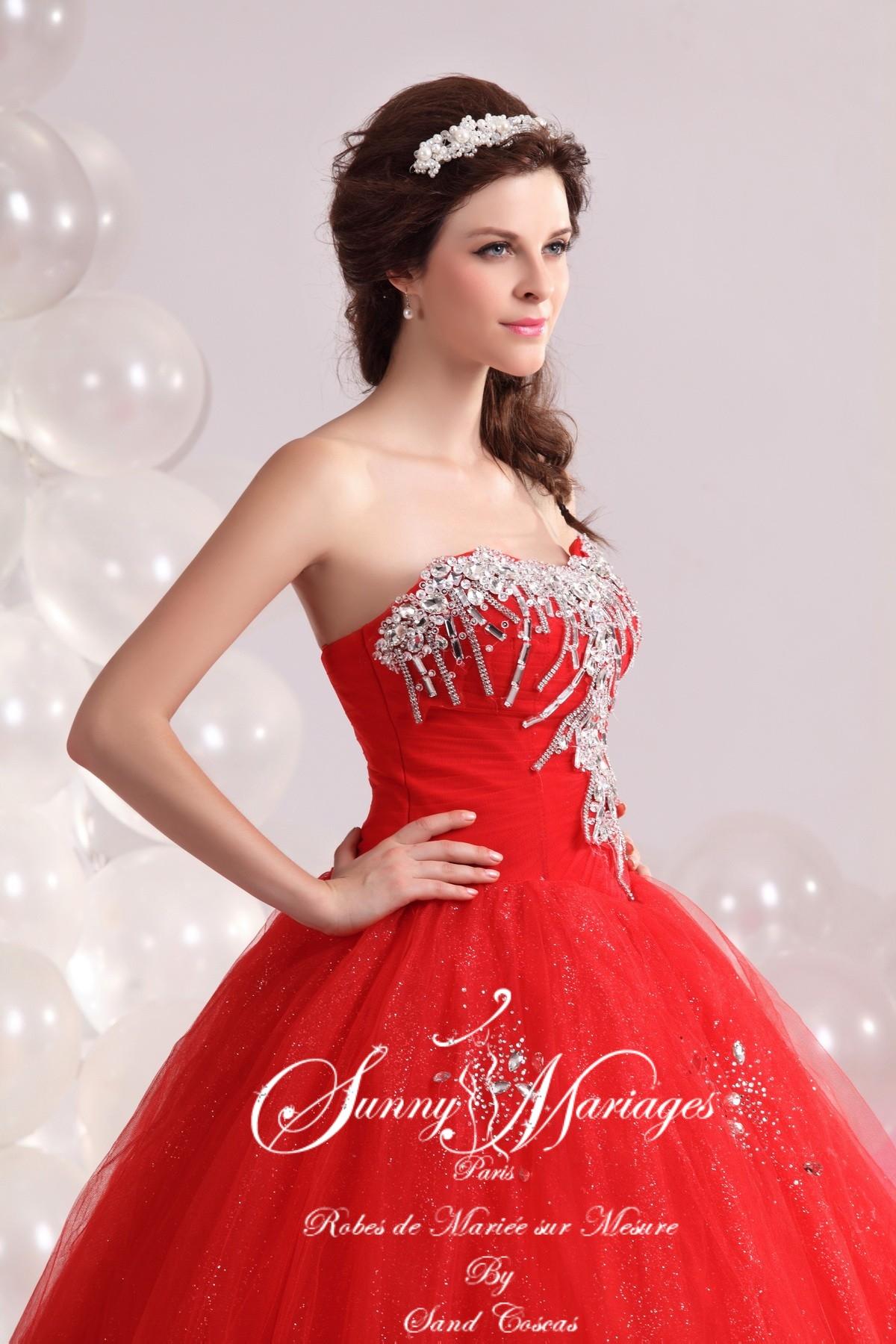 robe de mari e princesse rouge bustier strass sunny mariage. Black Bedroom Furniture Sets. Home Design Ideas