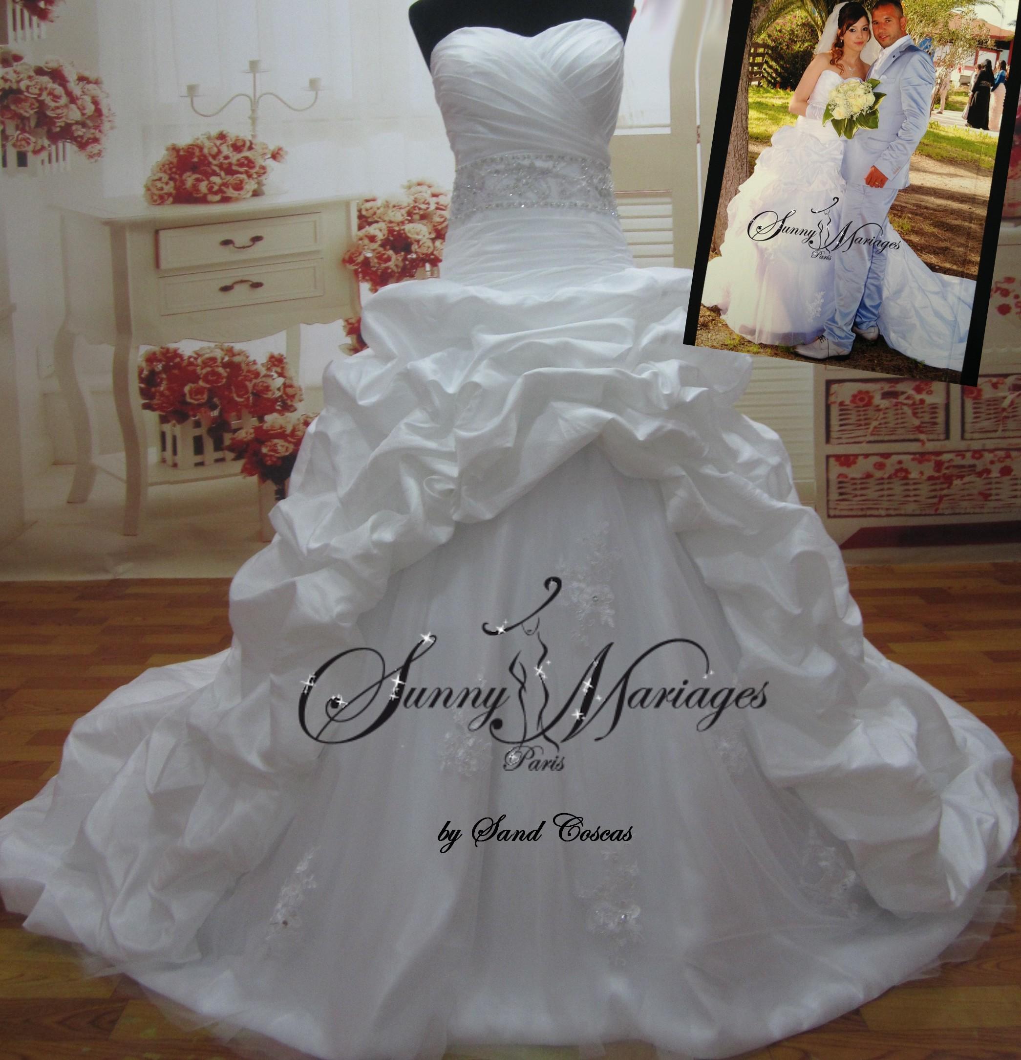 Robe de mariée princesse bustier drapé et