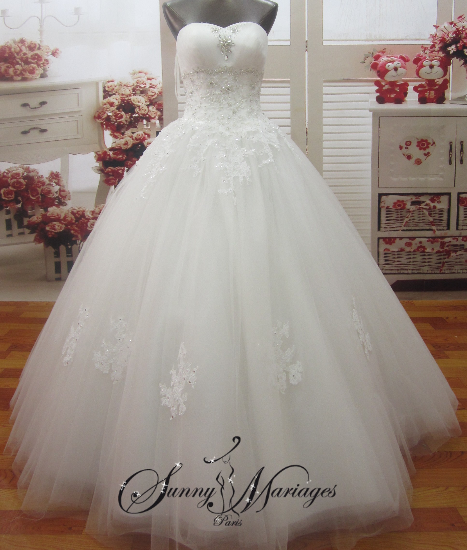 Robe De Mariee Strass Broderie Et Tulle Sunny Mariage