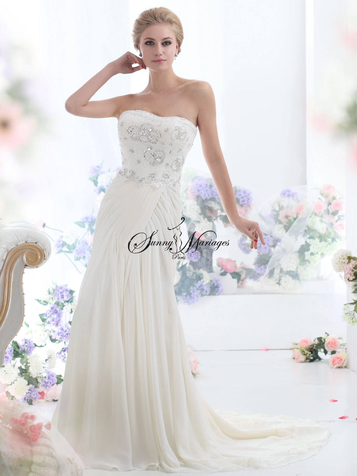 super pas cher limpide en vue top design robe de mariee fluide bustier strass | Sunny Mariage