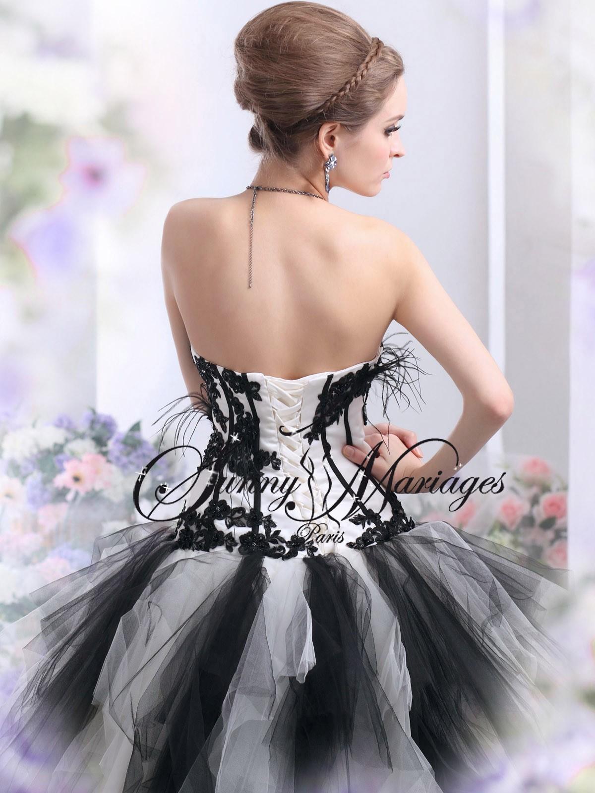 Robe de mariee courte noir et blanc