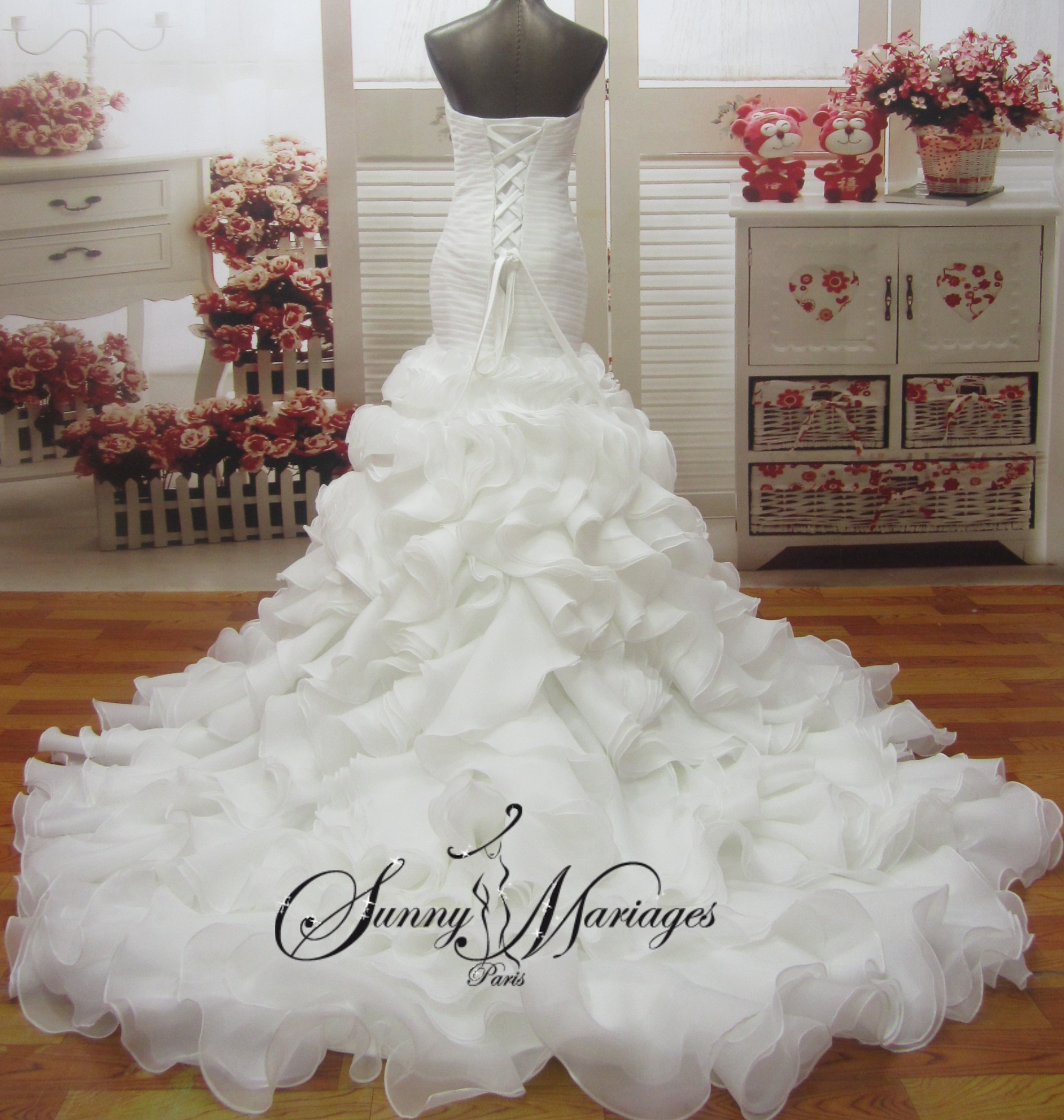 robe de mariee princesse en organza froufrou robe de. Black Bedroom Furniture Sets. Home Design Ideas