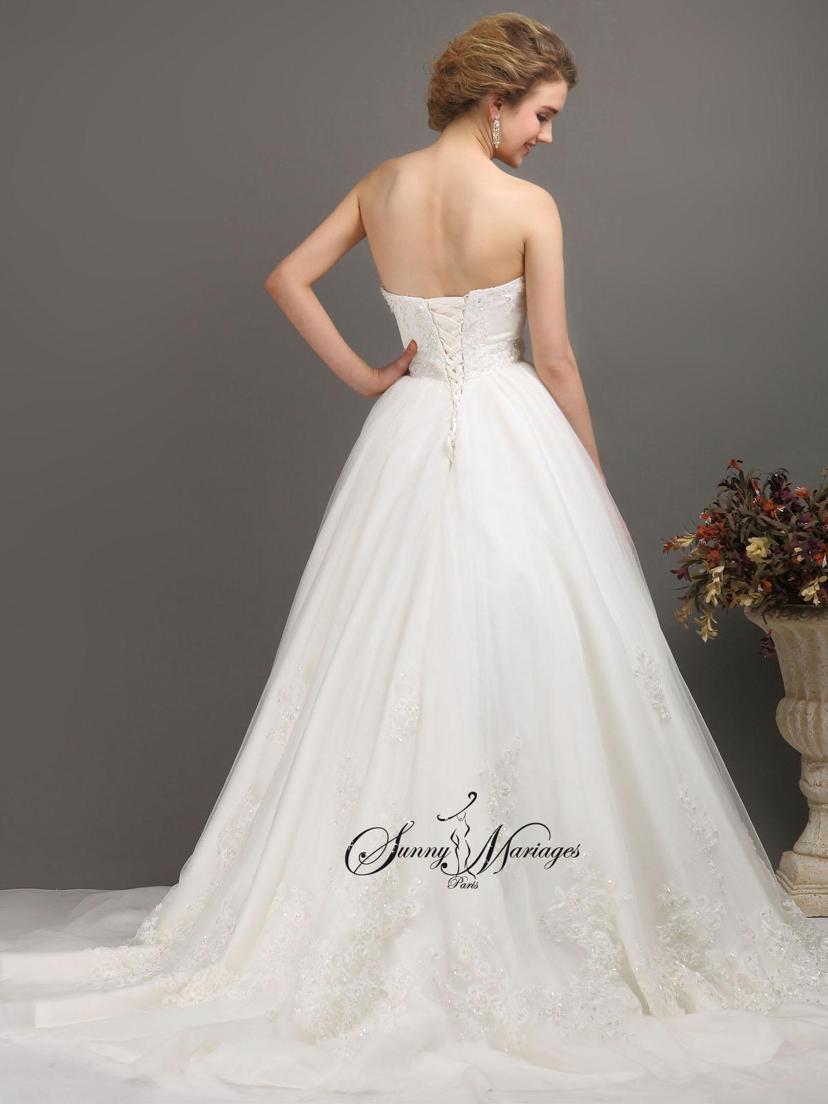 robe de mariee princesse ou empire en tulle avec bustier sunny mariage. Black Bedroom Furniture Sets. Home Design Ideas