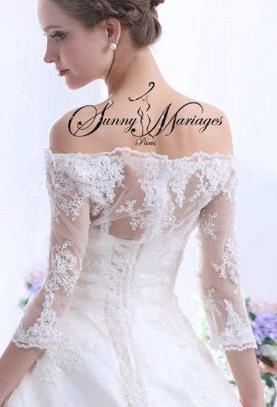 Robe de mariee dentelle et manche sur une base robe de for Robes en dentelle pour mariage