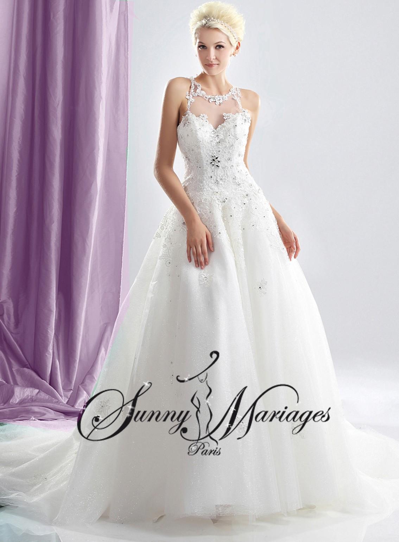 robe de mariage avec manches et bustier dentelle et strass sunny mariage. Black Bedroom Furniture Sets. Home Design Ideas