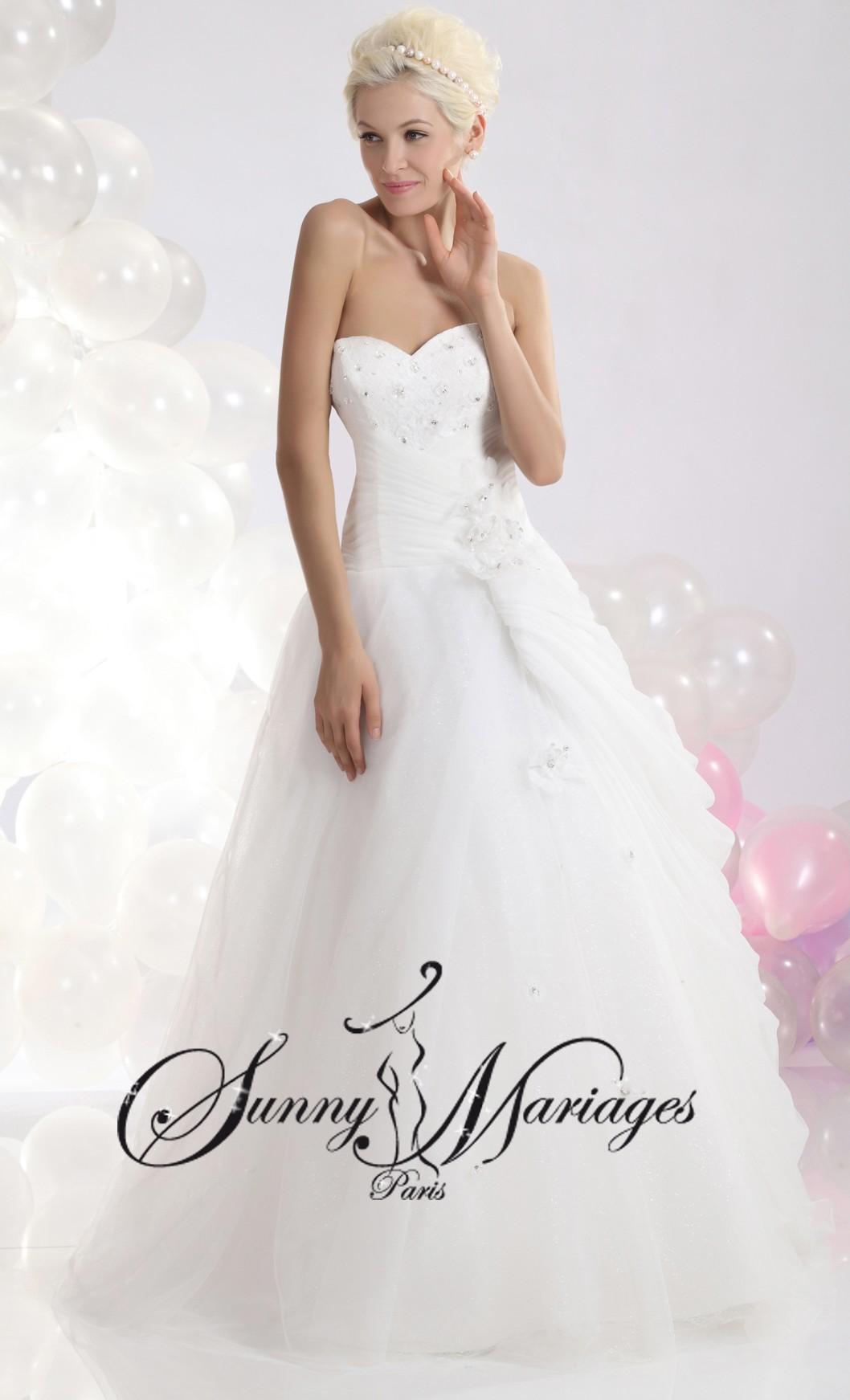 Robe de mariee bustier coeur strass