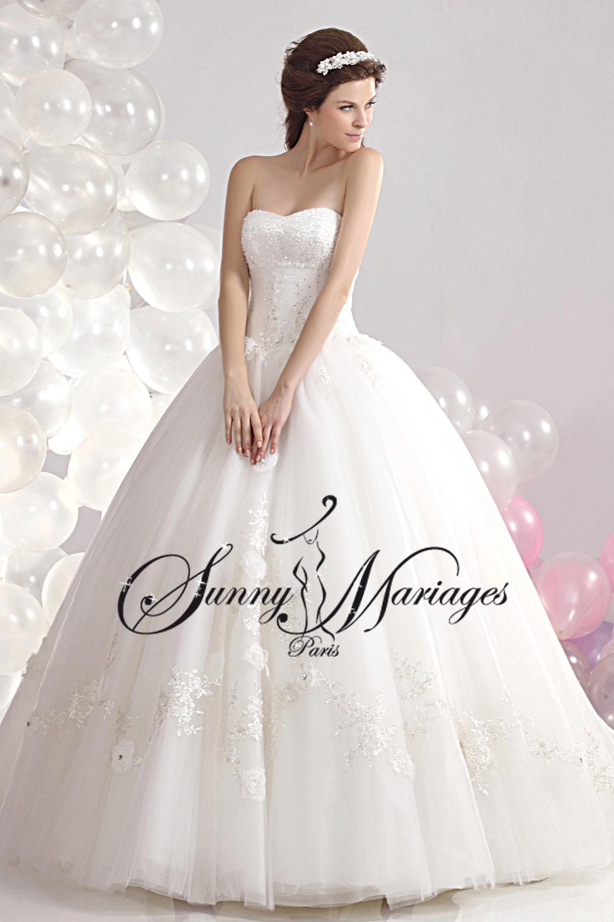 Robe de mariee princesse et bustier chic et pas chere for Plus la taille seconde robes de mariage