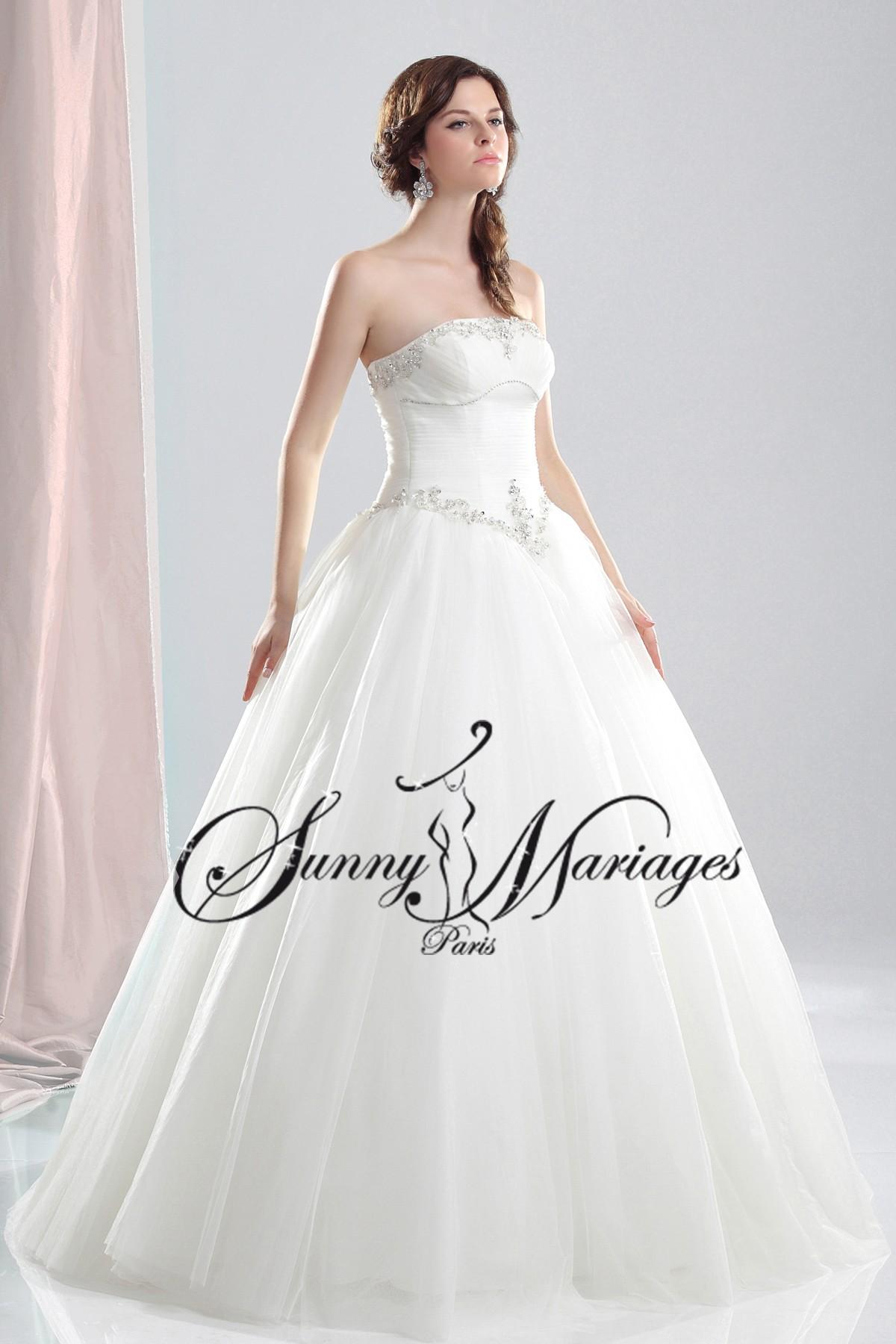 Robe De Mariee Princesse Et Bustier Drapé Simple Et élégante
