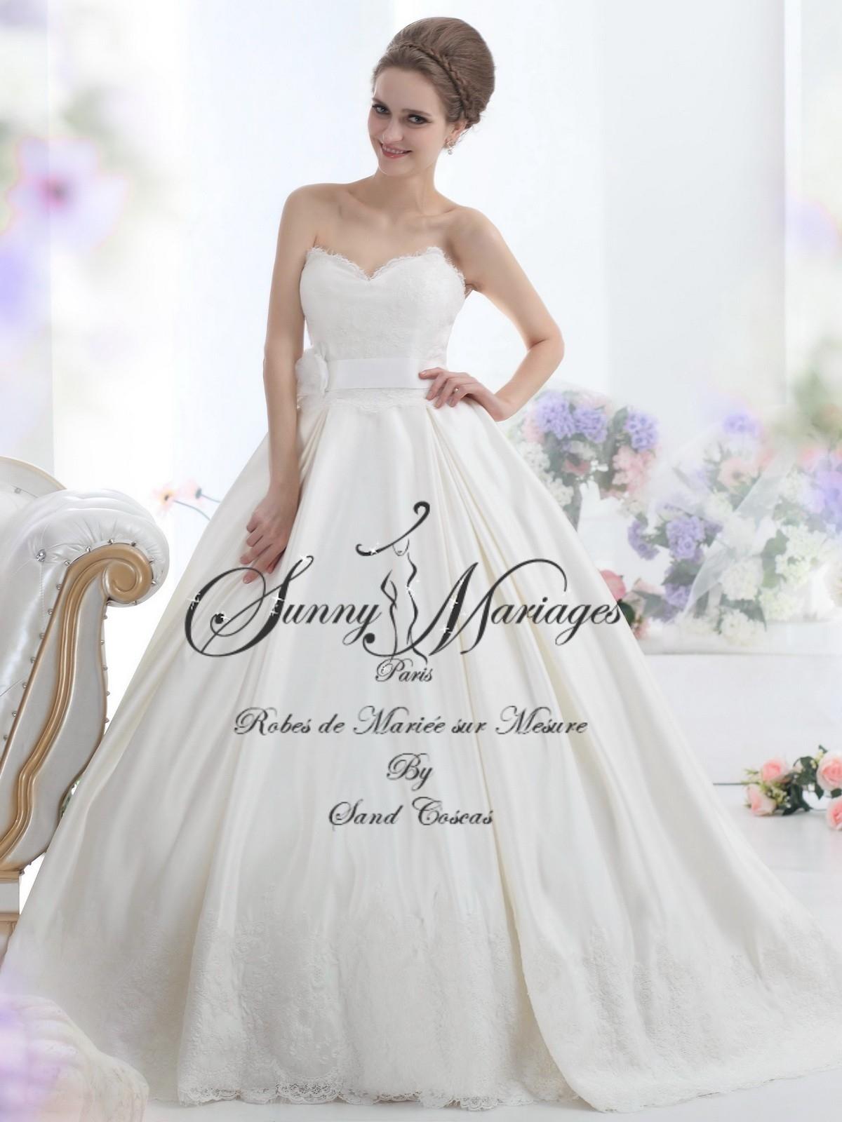 ... robe de mariée » Robe de mariée princesse, bustier et dentelle
